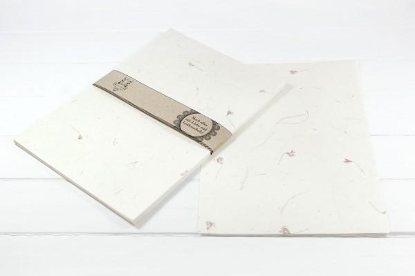 10 Blatt Handgeschöpftes Baumwollpapier mit Veilchen