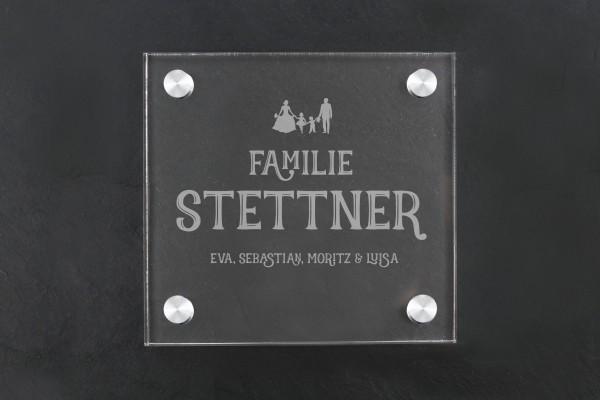Türschild aus Acryl Familie mit Silhouette personalisiert