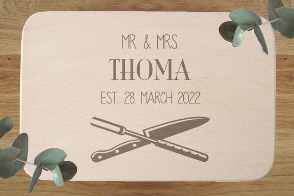 Brettchen Hochzeitsgeschenk mit Namen Mr und Mrs Hochzeitsdatum