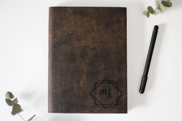 Lederbuch mit Initialen graviert