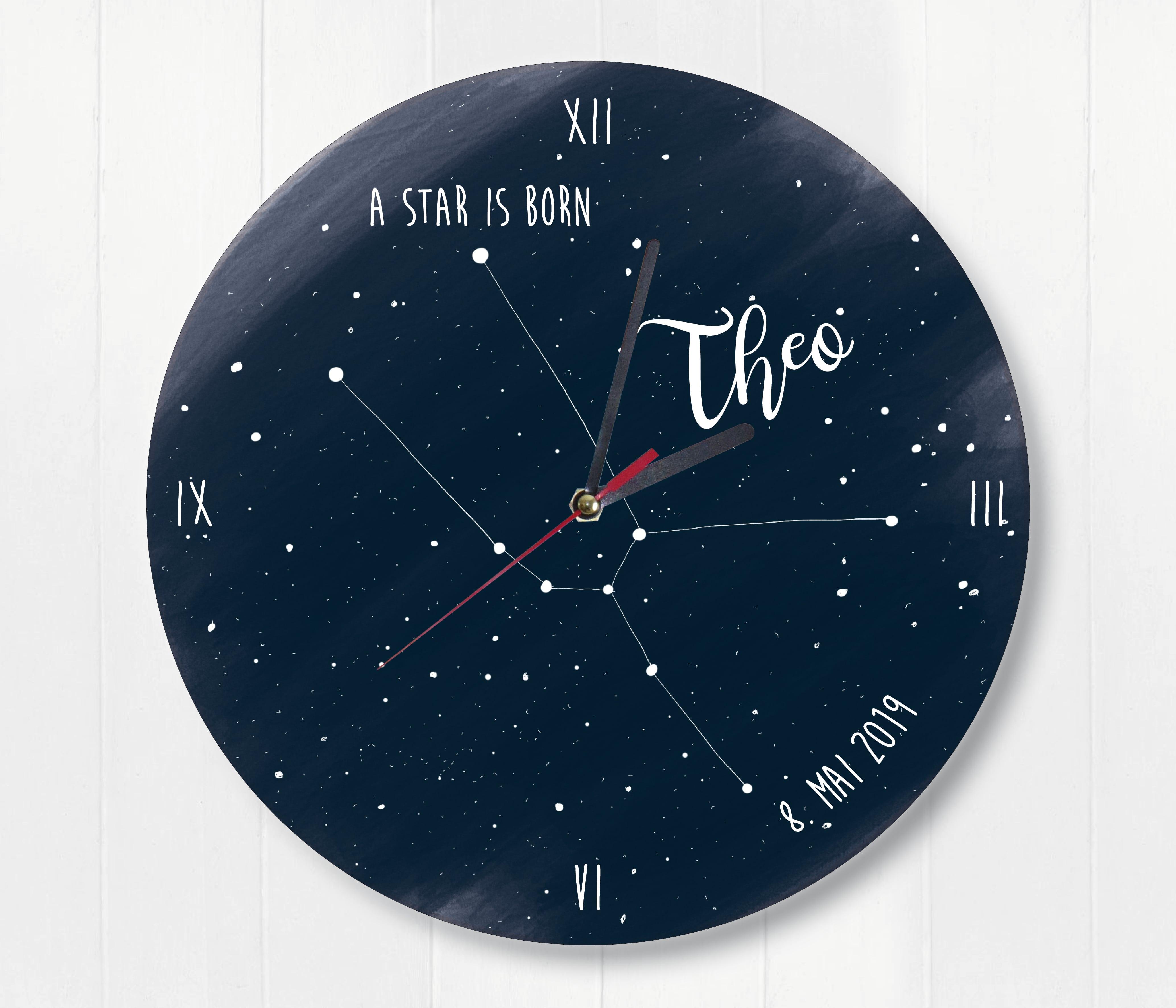 Stier Wanduhr mit Sternenhimmel und Sternzeichen perosnalisiert