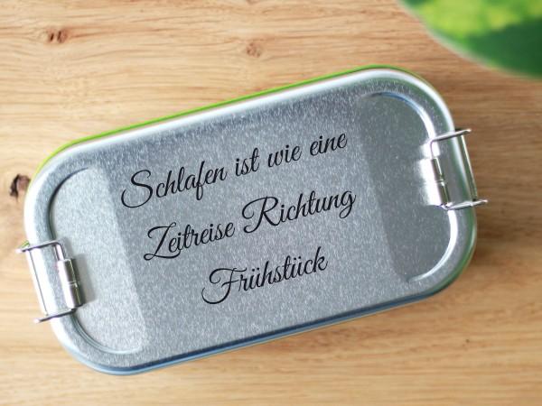 """Brotdose aus Blech mit Trennwand und Spruch """"Richtung Frühstück!"""""""