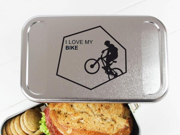 Nachhaltige Brotdose mit Name auf Lunchbox für Biker i love my Bike