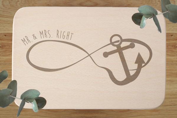 Schneidebrett Hochzeitsgeschenk mit Namen Endlosschleife Infinity Anker