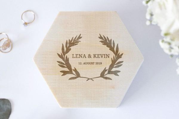 Ringbox, Holzschatulle für Ehering mit persönlicher Gravur