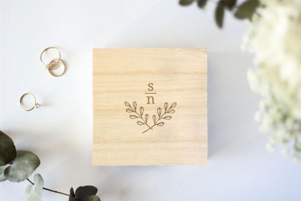 Holzschachtel, Ringbox, Holzschatulle für Ehering mit persönlicher Gravur