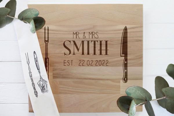Grillbrett Brautpaar Hochzeitsgeschenk Mr und Mrs aus Holz mit persönlicher Gravur