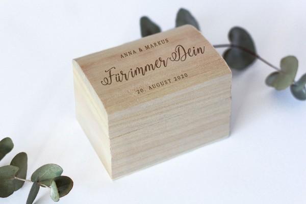 Ringbox, Holzschatulle für Ehering mit persönlicher Gravur und Herzen